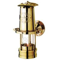 USNI Weems & Plath Yacht Lamp