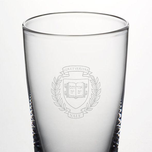 Yale Pint Glass by Simon Pearce - Image 2