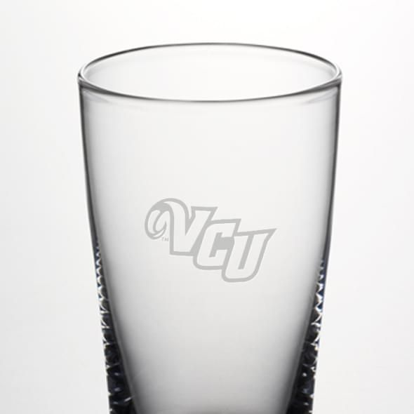 VCU Ascutney Pint Glass by Simon Pearce - Image 2